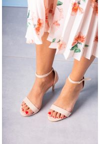 Casu - Różowe sandały szpilki błyszczące z zakrytą piętą paskiem wokół kostki ze skórzaną wkładką casu a20x2/p. Zapięcie: pasek. Kolor: różowy. Materiał: skóra. Obcas: na szpilce