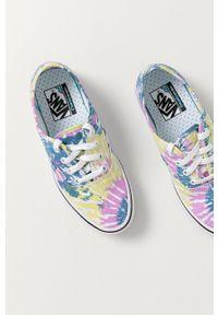 Vans - Tenisówki. Nosek buta: okrągły. Zapięcie: sznurówki. Kolor: zielony. Materiał: guma