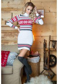 e-margeritka - Ciepła sukienka mini w norweskie wzory - biały, uni. Typ kołnierza: golf. Kolor: biały. Materiał: akryl. Sezon: zima. Długość: mini