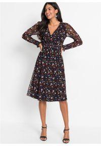 Sukienka z siatkowego materiału z nadrukiem i przeszyciem cienkimi gumkami bonprix czarno-pomarańczowo-czerwony w kwiaty. Kolor: czarny. Materiał: materiał. Wzór: kwiaty, nadruk