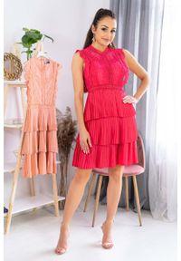 Różowa sukienka wizytowa Merribel