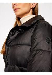 Trussardi Jeans Kurtka puchowa 56S00508 Czarny Regular Fit. Kolor: czarny. Materiał: puch