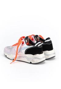 GOLDEN GOOSE - Sneakersy Running Sole. Kolor: biały. Materiał: dresówka, jeans, materiał, zamsz, guma. Wzór: aplikacja. Obcas: na koturnie. Sport: bieganie