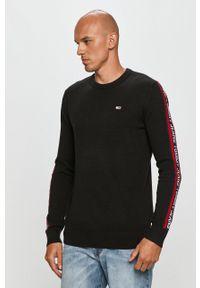 Tommy Jeans - Sweter. Okazja: na co dzień. Kolor: czarny. Wzór: aplikacja. Styl: casual