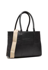 Czarna torebka klasyczna Unisa skórzana