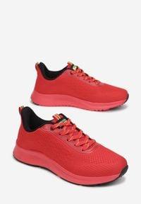 Born2be - Czerwone Buty Sportowe Selixia. Kolor: czerwony
