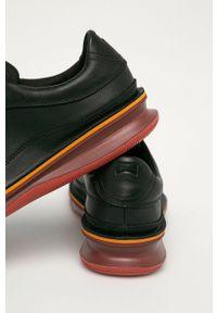 Czarne sneakersy Camper z okrągłym noskiem, z cholewką
