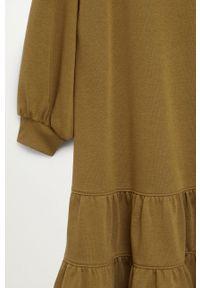 mango - Mango - Sukienka Rodri. Kolor: zielony. Materiał: dzianina. Wzór: gładki. Typ sukienki: rozkloszowane