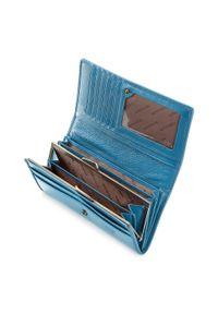 Wittchen - Damski portfel ze skóry lakierowany poziomy. Kolor: niebieski. Materiał: lakier, skóra