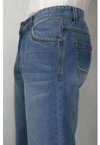 Chiao - Bawełniane Spodnie Męskie, Casualowe, JEANSY, Przecierane, Jasne Niebieskie. Okazja: na co dzień. Kolor: niebieski. Materiał: bawełna, tkanina, syntetyk. Styl: casual