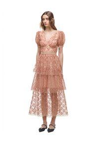 SELF PORTRAIT - Sukienka maxi z cekinami. Kolor: beżowy. Długość: maxi