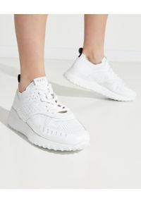 TOD'S - Białe skórzane sneakersy. Nosek buta: okrągły. Kolor: biały. Materiał: skóra