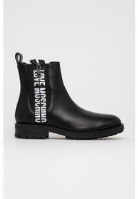 Love Moschino - Sztyblety skórzane. Nosek buta: okrągły. Kolor: czarny. Materiał: skóra