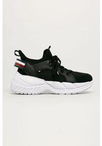 Czarne buty sportowe TOMMY HILFIGER z okrągłym noskiem, z cholewką, na sznurówki