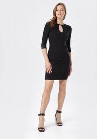 Born2be - Czarna Sukienka Klelira. Kolor: czarny. Materiał: dzianina. Wzór: prążki, aplikacja. Długość: midi