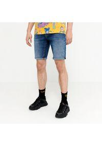 House - Jeansowe szorty z efektem sprania basic - Niebieski. Kolor: niebieski. Materiał: jeans