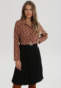 Born2be - Czarno-Brązowa Sukienka Luqirelle. Kolor: czarny. Wzór: aplikacja. Typ sukienki: proste, plisowane, koszulowe. Styl: elegancki. Długość: midi