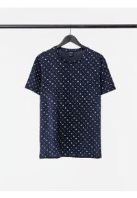 outhorn - T-shirt z nadrukiem męski. Okazja: na co dzień. Materiał: bawełna, dzianina, materiał. Wzór: nadruk. Styl: wakacyjny, casual