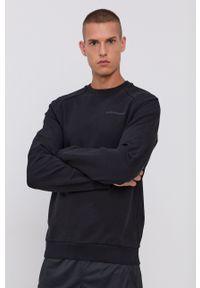 Peak Performance - Bluza bawełniana. Okazja: na co dzień. Kolor: czarny. Materiał: bawełna. Długość rękawa: raglanowy rękaw. Wzór: aplikacja. Styl: casual