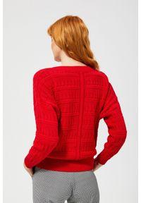 Czerwony sweter MOODO z długim rękawem, długi, z dekoltem w serek