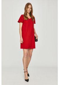 Czerwona sukienka Pennyblack na co dzień, casualowa, prosta, z krótkim rękawem