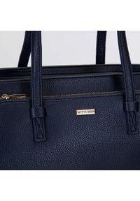 Wittchen - Kuferek z dużą kieszenią. Kolor: niebieski. Materiał: skórzane. Styl: biznesowy, klasyczny, elegancki, casual. Rodzaj torebki: na ramię