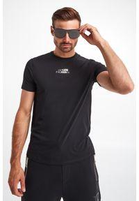 Armani Exchange - T-SHIRT ARMANI EXCHANGE. Materiał: bawełna, elastan. Długość rękawa: krótki rękaw. Długość: krótkie. Wzór: napisy