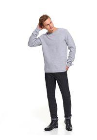 TOP SECRET - Bluza gładka z okrągłym dekoltem. Okazja: na co dzień. Kolor: szary. Materiał: dzianina, dresówka. Wzór: gładki. Sezon: jesień, zima. Styl: casual