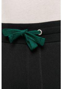 Czarne spodnie dresowe Blauer