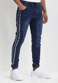 Born2be - Granatowe Spodnie Joggery Pisirise. Kolor: niebieski. Materiał: jeans, dresówka. Długość: długie. Wzór: aplikacja