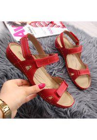 Czerwone sandały Helios na rzepy