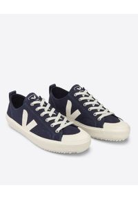Veja - VEJA - Granatowe trampki Nova Canvas. Nosek buta: okrągły. Zapięcie: sznurówki. Kolor: niebieski. Materiał: bawełna, guma. Szerokość cholewki: normalna. Styl: klasyczny