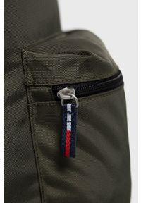Tommy Jeans - Plecak. Kolor: zielony. Materiał: poliester