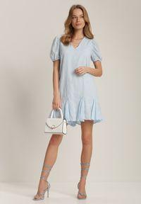Renee - Jasnoniebieska Sukienka Jennirissa. Kolor: niebieski