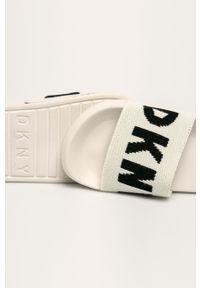 Białe klapki DKNY