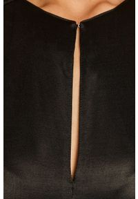 TwinSet - Twinset - Sukienka. Kolor: czarny. Materiał: tkanina. Długość rękawa: długi rękaw. Wzór: gładki. Typ sukienki: rozkloszowane