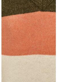 Oliwkowy sweter Noisy may raglanowy rękaw
