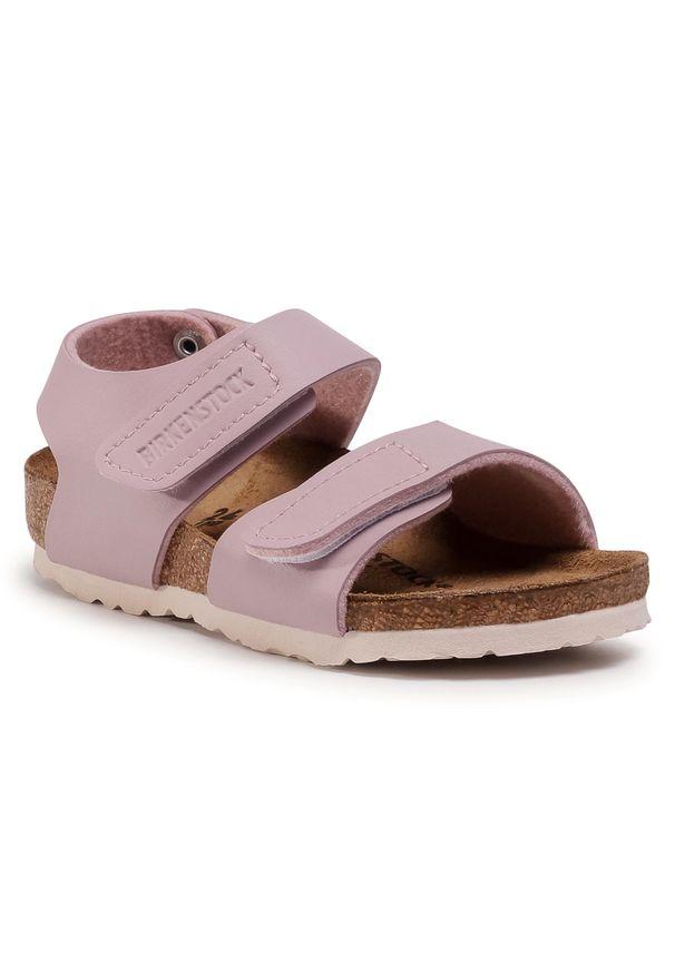 Różowe sandały Birkenstock na lato