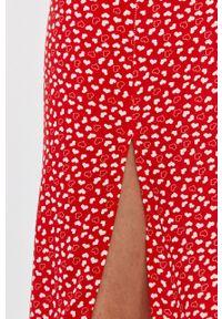 Czerwona sukienka ANSWEAR z okrągłym kołnierzem, na co dzień, prosta