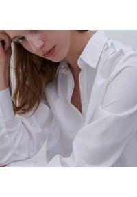 Reserved - Koszula z bawełną organiczną - Biały. Kolor: biały. Materiał: bawełna