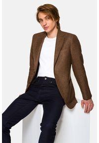 Lancerto - Marynarka Brązowa Messina. Kolor: brązowy. Materiał: bawełna, jeans, wiskoza, len, materiał, wełna, tkanina. Wzór: gładki, kolorowy. Sezon: lato