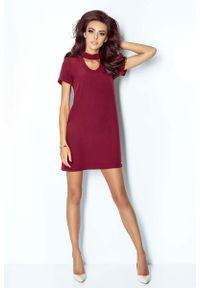 IVON - Bordowa Sukienka Trapezowa Krótka z Chockerem. Kolor: czerwony. Materiał: wiskoza, elastan. Typ sukienki: trapezowe. Długość: mini