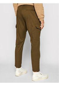 Imperial Spodnie materiałowe PD1VBHUAL Zielony Regular Fit. Kolor: zielony. Materiał: materiał