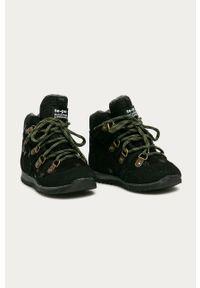 Czarne buty zimowe Mrugała z cholewką, z okrągłym noskiem