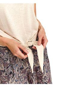 TOP SECRET - T-shirt bez rękawów damski gładki. Okazja: na co dzień. Kolor: beżowy. Materiał: materiał. Długość rękawa: bez rękawów. Wzór: gładki. Sezon: jesień. Styl: elegancki, casual