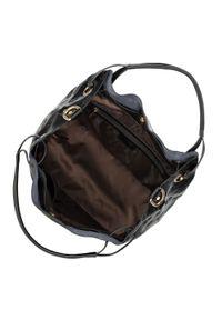 Czarna torebka worek Wittchen w kolorowe wzory, z tłoczeniem, elegancka