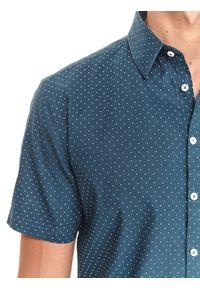 TOP SECRET - Koszula z lnem. Typ kołnierza: kołnierzyk klasyczny. Kolor: niebieski. Materiał: len. Długość rękawa: krótki rękaw. Długość: krótkie. Wzór: kropki. Sezon: lato. Styl: klasyczny #3