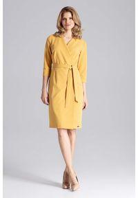 Figl - Musztardowa Klasyczna Kopertowa Sukienka z Paskiem. Kolor: żółty. Materiał: wiskoza, poliester. Typ sukienki: kopertowe. Styl: klasyczny