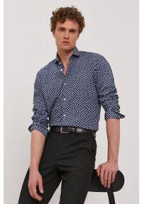 BOSS - Boss - Koszula bawełniana. Typ kołnierza: kołnierzyk włoski. Kolor: niebieski. Materiał: bawełna. Długość rękawa: długi rękaw. Długość: długie