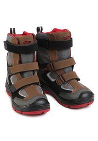 Szare buty zimowe keen na spacer